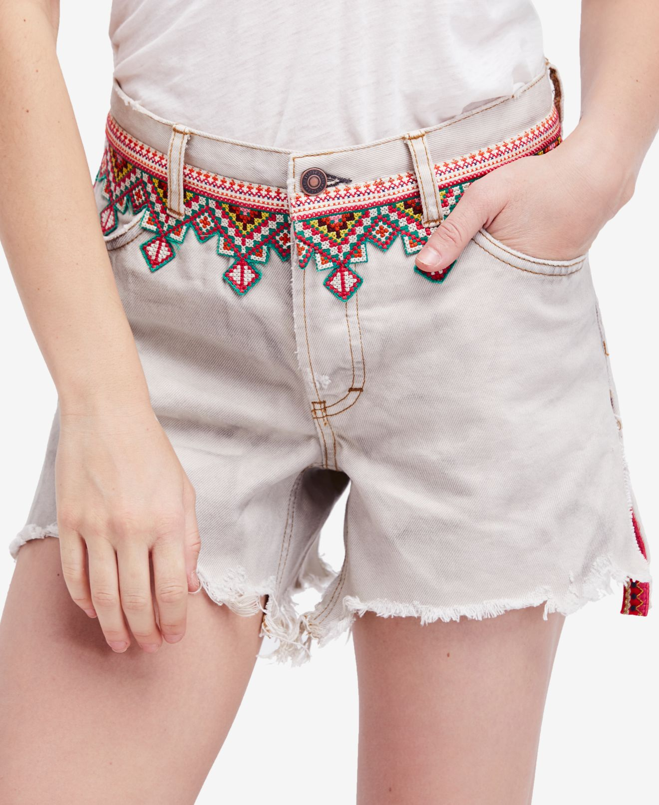 Free People Beige Womens Size 25 Embroidered Mid-Rise Denim Shorts  98 175